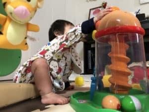 クルコロタワーで遊ぶ息子