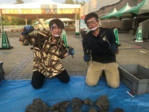 ライブで化石発掘